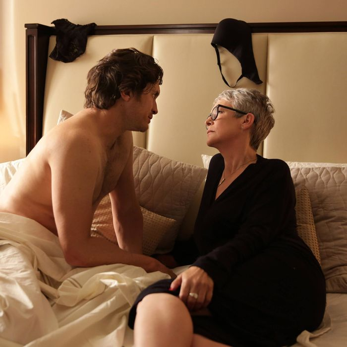 SCREAM QUEENS: L-R: Oliver Hudson and Jamie Lee Curtis in the first part of the two-hour