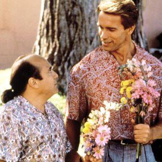 TWINS, Danny DeVito, Arnold Schwarzenegger, 1988