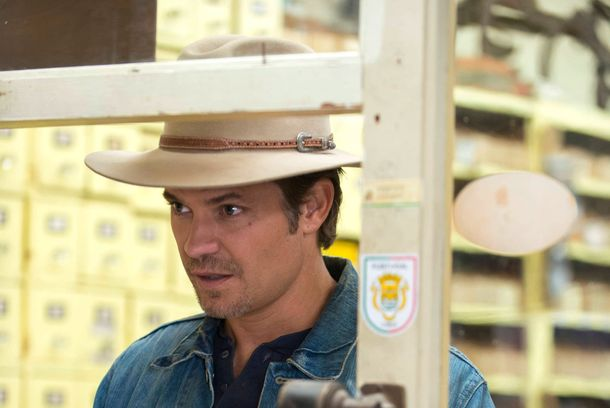 JUSTIFIED -- Hole in the Wall -- Episode 401 (Airs Tuesday, January 8, 10:00 pm e/p) -- Pictured: Timothy Olyphant as Raylan Givens