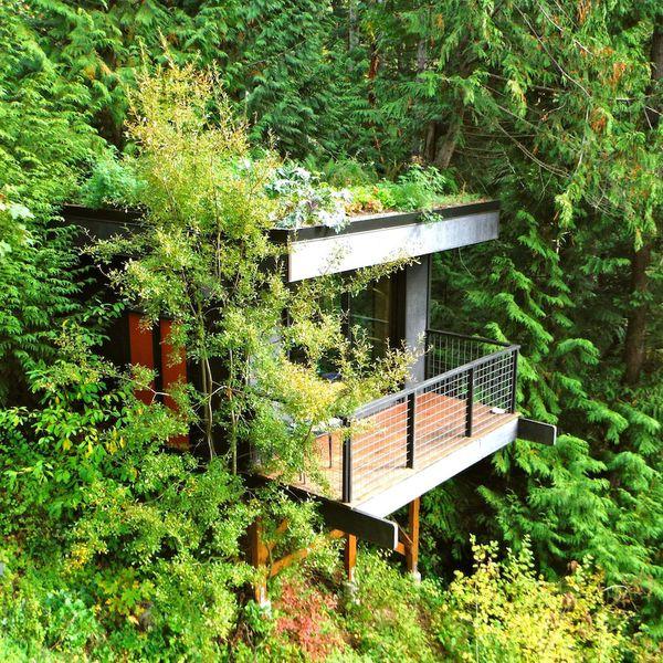 Pleasant Bay Lookout in Bellingham, Washington