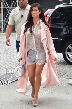 Kourtney Kardashian Went Shopping In A Bathrobe