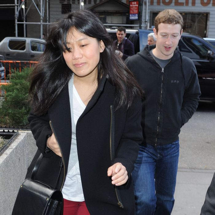 Celebrities at the Knicks vs Mavericks basketball game held at Madison Square Garden in New York City. Pictured: Mark Zuckerberg with his girlfriend Priscilla Chan.