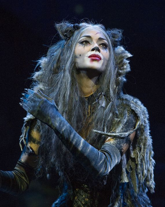 Nicole Scherzinger as Grizabella.