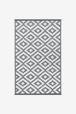 GD Home Lightweight Indoor/Outdoor Reversible Plastic Rug
