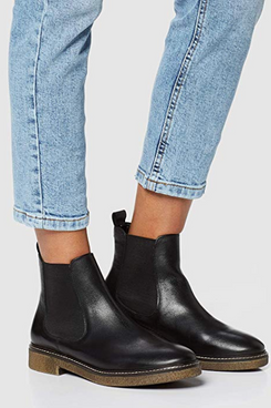 find. Women's Chelsea Boots in Leather with Gum Sole