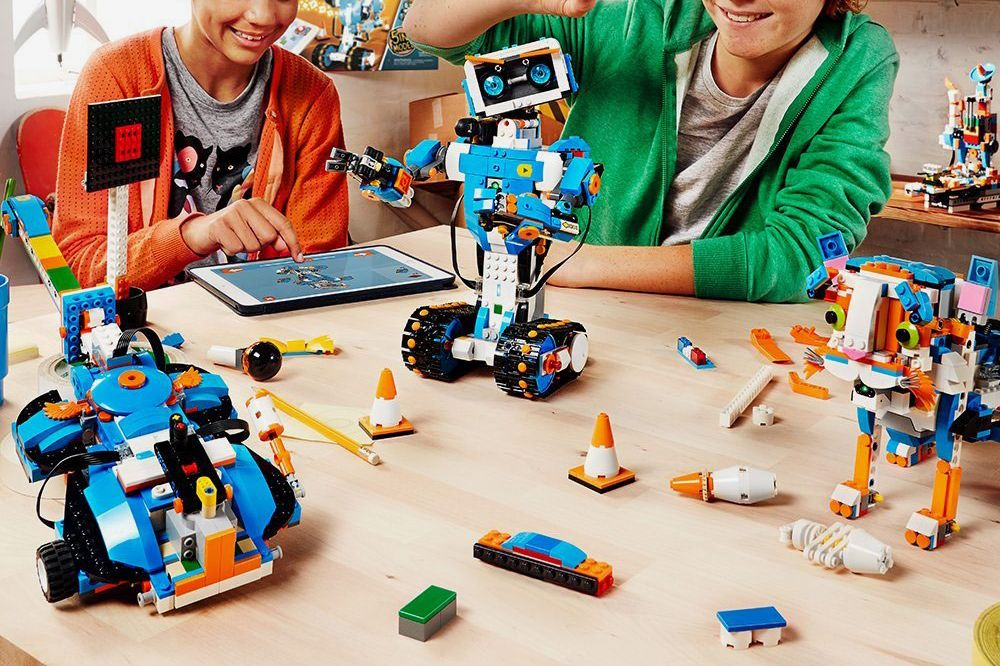 Lego Boost Creative Toolbox Building and Coding Kit