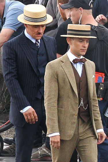 Joel Edgerton gives Tobey Maguire the middle finger on set of  The Great  Gatsby  b2b4e9cb34f