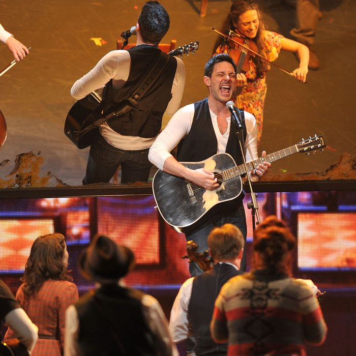 NEW YORK, NY - JUNE 10: Steve Kazee and the cast of 'Once' perform onstage at the 66th Annual Tony Awards at The Beacon Theatre on June 10, 2012 in New York City. (Photo by Theo Wargo/Getty Images)