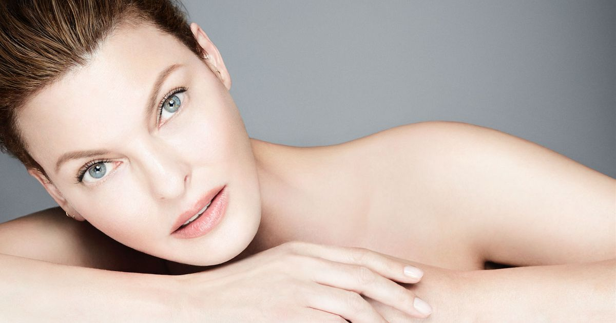 Linda Evangelista on the Cure for Dark Eye Circles and Having a Beauty Fridge