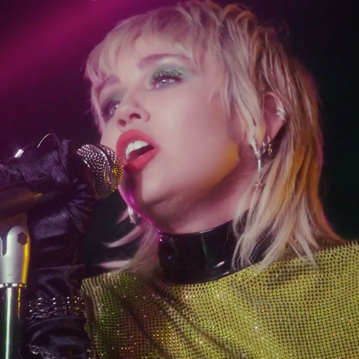 Miley Cyrus 2020 : Miley cyrus's backyard sessions is the ...
