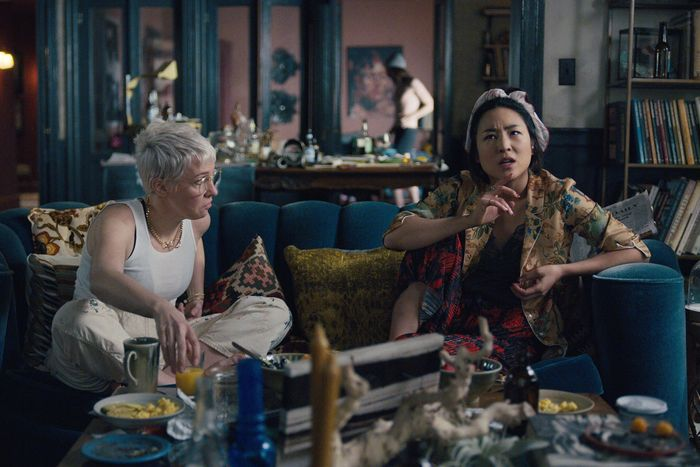 Lizzie (Henderson) and Maxine (Greta Lee).