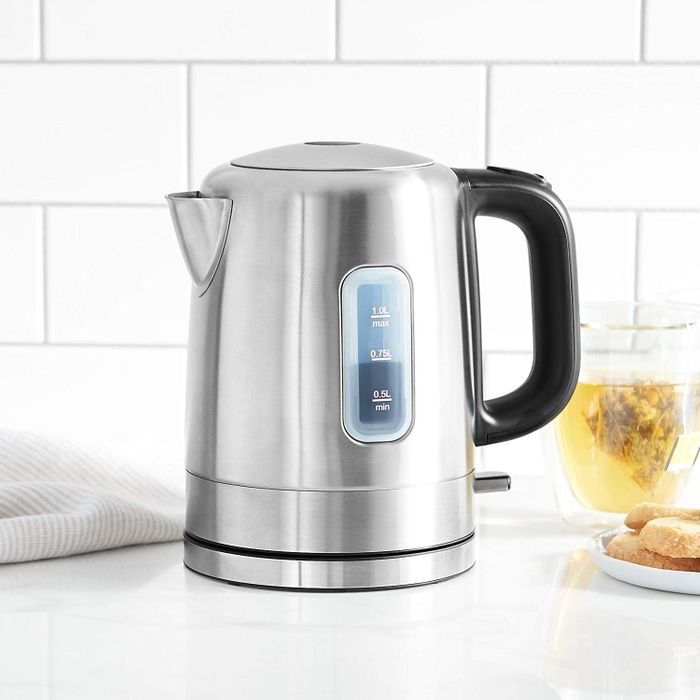 985bcec432b The Best Electric Kettles on Amazon, According to Hyperenthusiastic  Reviewers