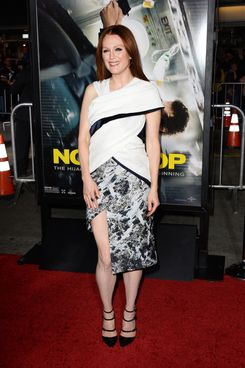 "Actress Julianne Moore attends the premiere of Universal Pictures and Studiocanal's ""Non-Stop"" at Regency Village Theatre on February 24, 2014 in Westwood, California."