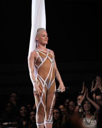 Pink's sideboob and butt crack at the 2010 Grammys.