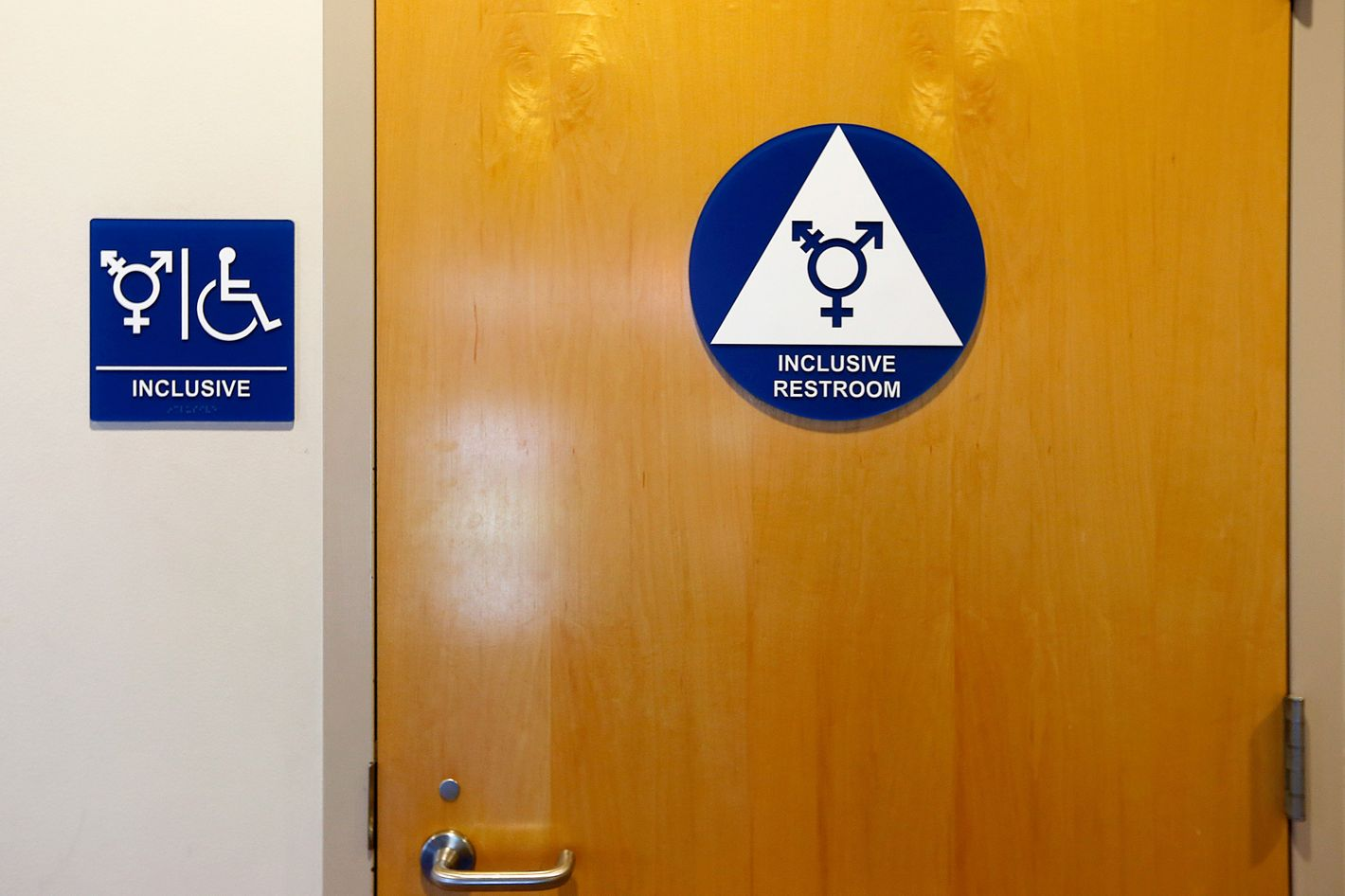 public bathroom controversies due to transgender issue in america