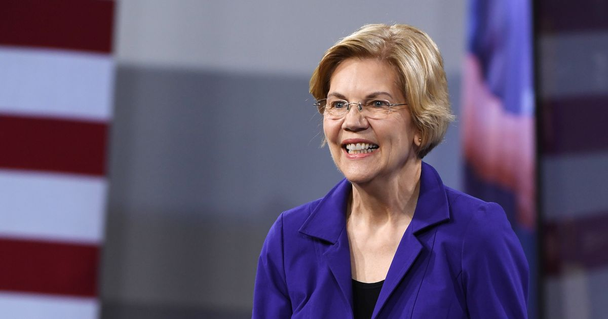 Elizabeth Warren Wants to Put a Former Public School Teacher in Her Cabinet