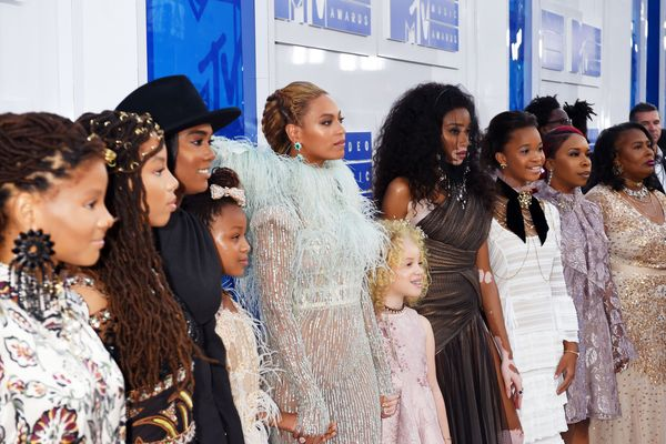 See All the Red-Carpet Looks From the 2016 VMAs