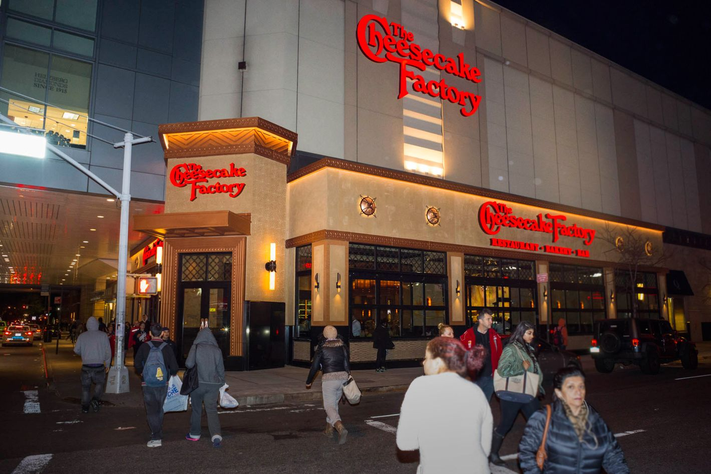 New York City\'s First Cheesecake Factory Is Open in Queens