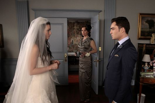 """G.G."" - Leighton Meester as Blair Waldorf, Margaret Colin as Eleanor and Ed Westwick as Chuck Bass in GOSSIP GIRL on The CW."