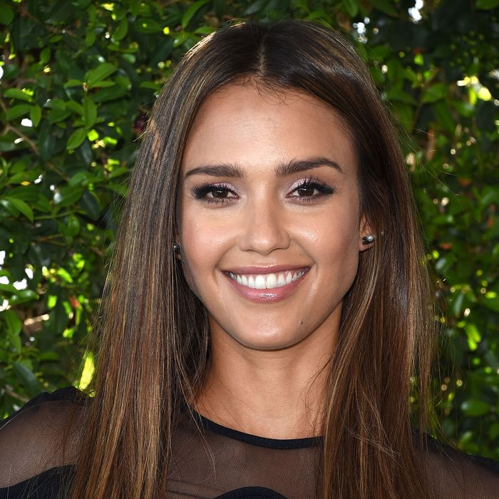Jessica Alba is Launching Honest Beauty Hair Care