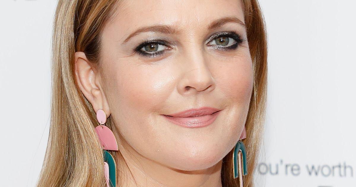 3af1e2bce7e Drew Barrymore's Flower Beauty Lengthening Mascara