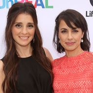 "Lifetime Hosts ""UnREAL"" Group Date And Champagne Brunch Aboard Dandeana Yacht With Cast And Executive Producers In Celebration Of Season Two Premiere"