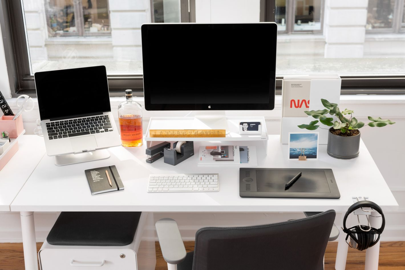 The best desk dcor desk accessories gumiabroncs Image collections