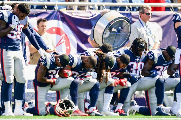 Many Nfl Players Protest During Anthem After Trump Attacks