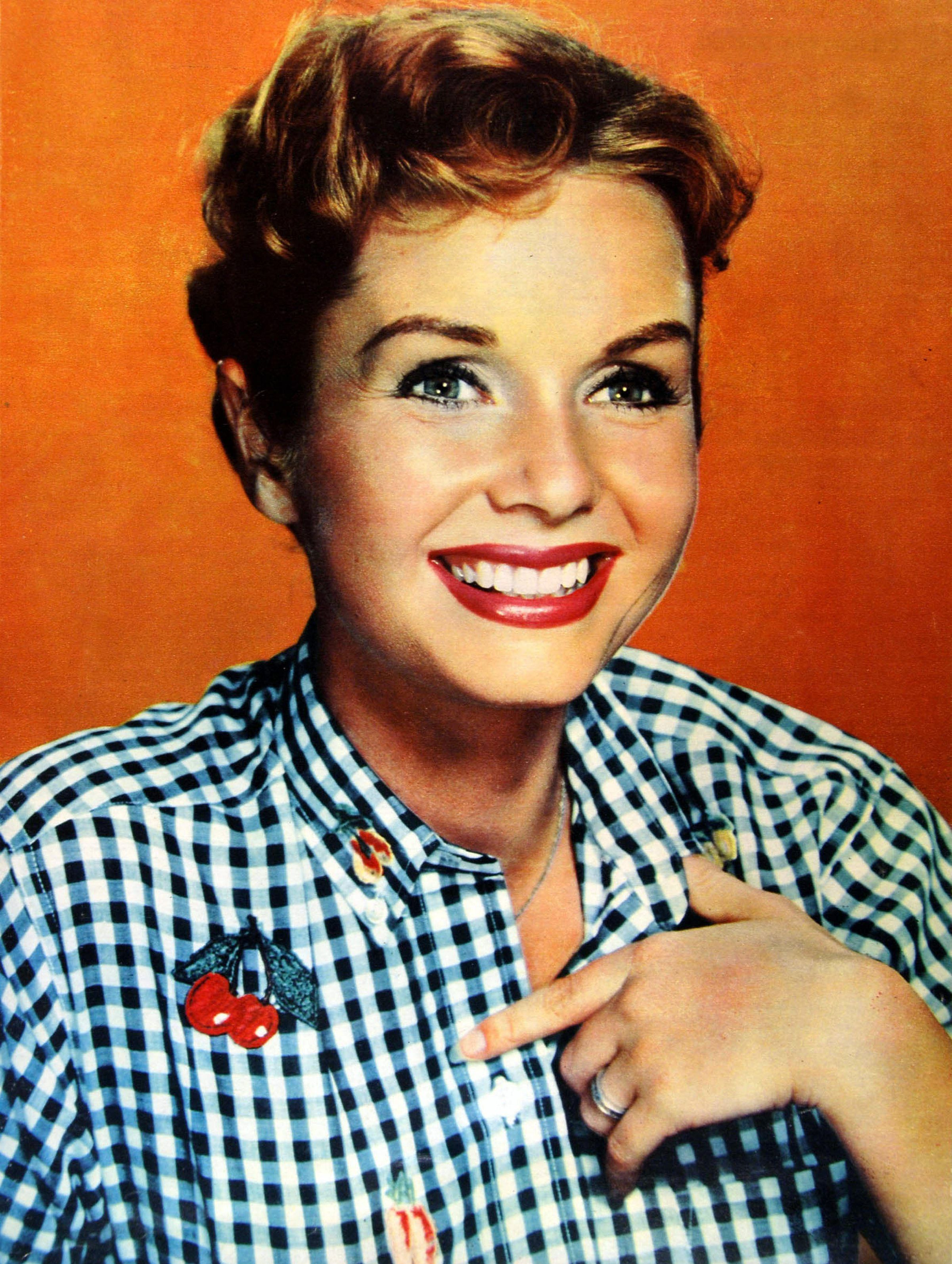 Debbie Reynolds Biography - Facts, Childhood, Family Life