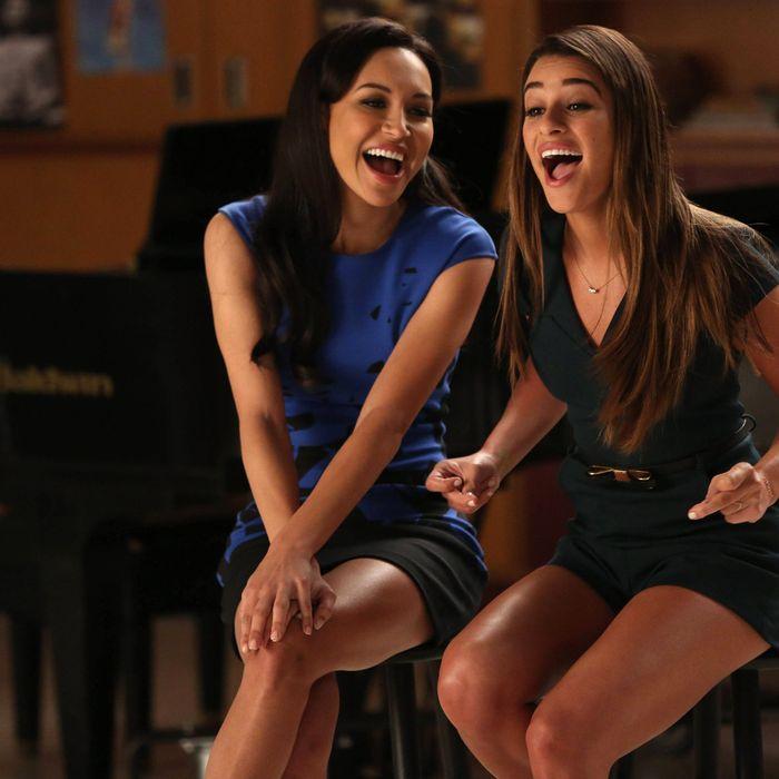 GLEE: Santana (Naya Rivera, L) and Rachel (Lea Michele, R) perform in the