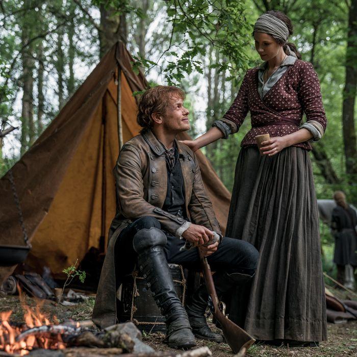 dbd42a3674f43 Outlander Season 5  What Happens in  The Fiery Cross  Book