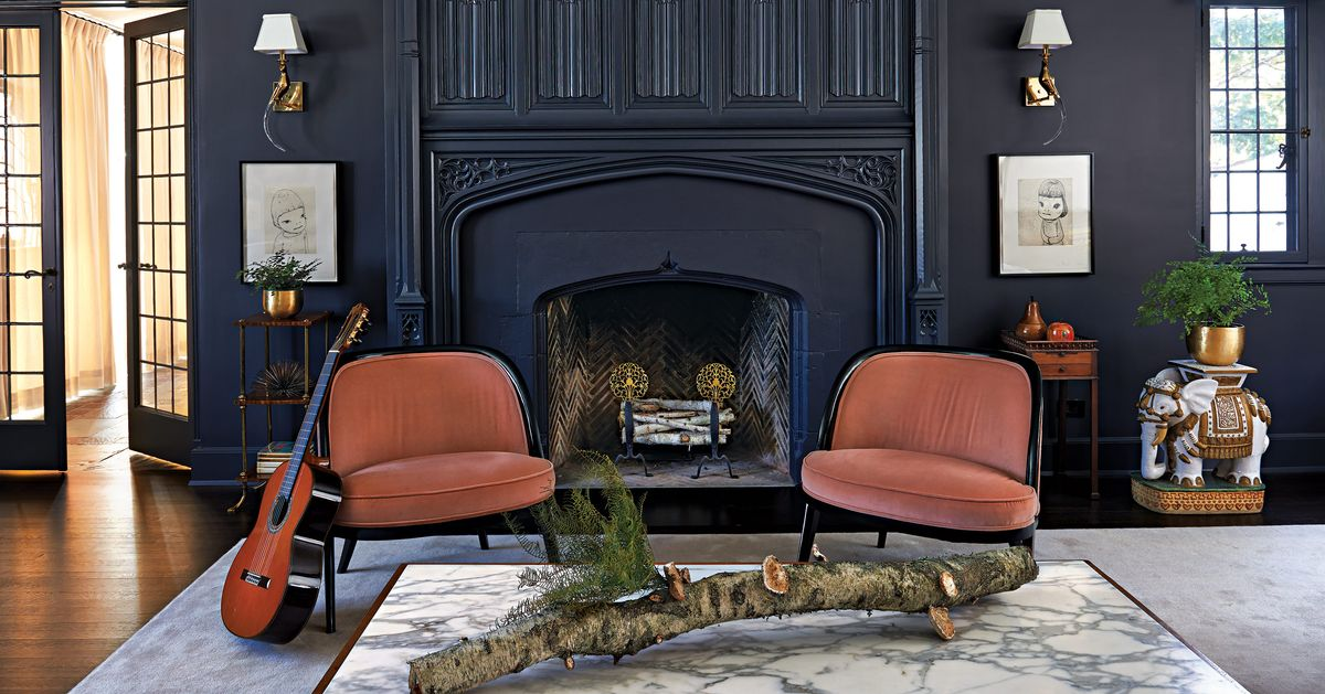 A very traditional tudor gets an avant garde interior for Avant garde interiors