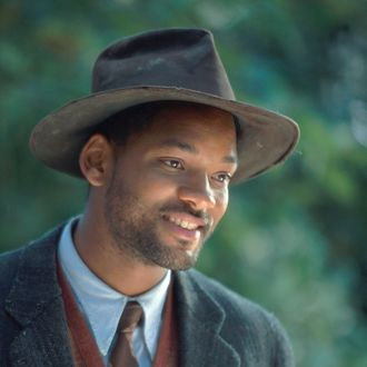 Actor Will Smith stars as the mysterious man named Bagger Vance in The Legend of Bagger Vance.