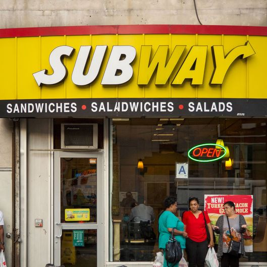 Subway's Growth Era Fades as New Competitors Hobble Expansion