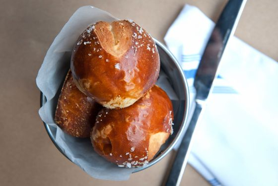 delaware-hudson-pretzel-roll