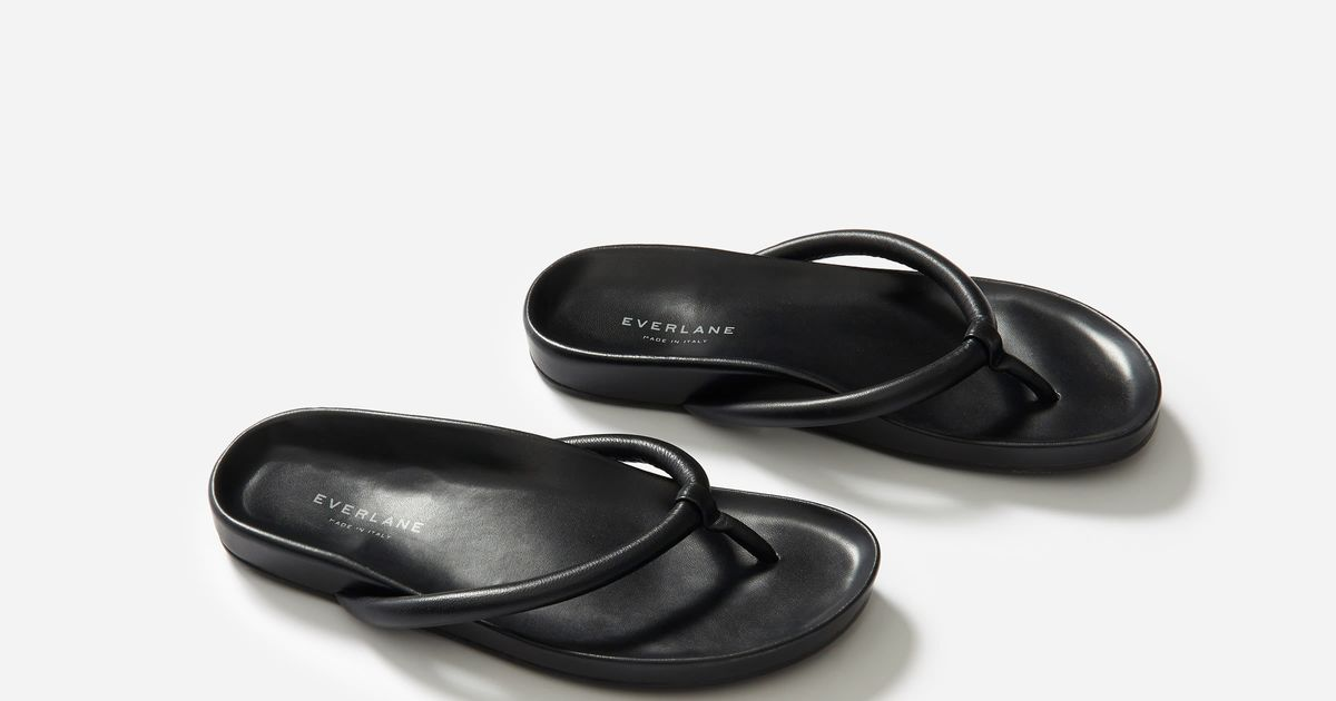 These Fashion Flip-Flops From Everlane Are 40 Percent Off