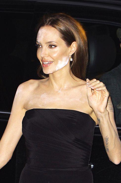 14 Worst Celebrity Powder Flashback Makeup Fails | StyleCaster