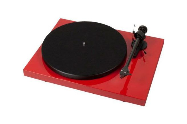 Pro-Ject — Debut Carbon (Red)