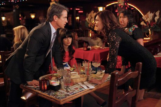 "NEW GIRL:  Jess (Zooey Deschanel, C) watches as Russell (guest star Dermot Mulroney, L) and his ex-wife Ouli (guest star Jeanne Tripplehorn, R) have a heated argument in the ""Tomatoes"" episode of NEW GIRL airing Tuesday, April 24 (9:00-9:31 PM ET/PT) on FOX."