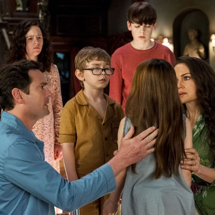The Haunting Of Hill House And The Crain Family Madness