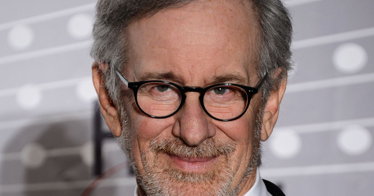 steven speilberg essay A new video essay breaks down how legendary filmmaker steven spielberg uses sound design to tell the story and immerse the audience in action.