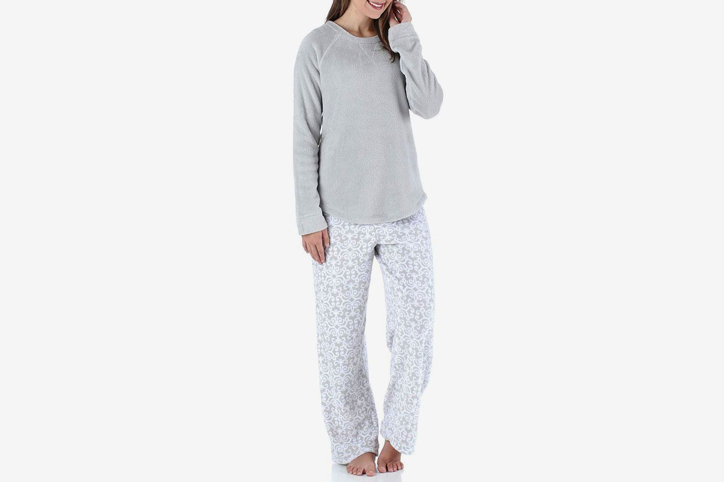 ea63ad3ed1 PajamaMania Women s Sleepwear Fleece Long Sleeve Pajamas PJ Set