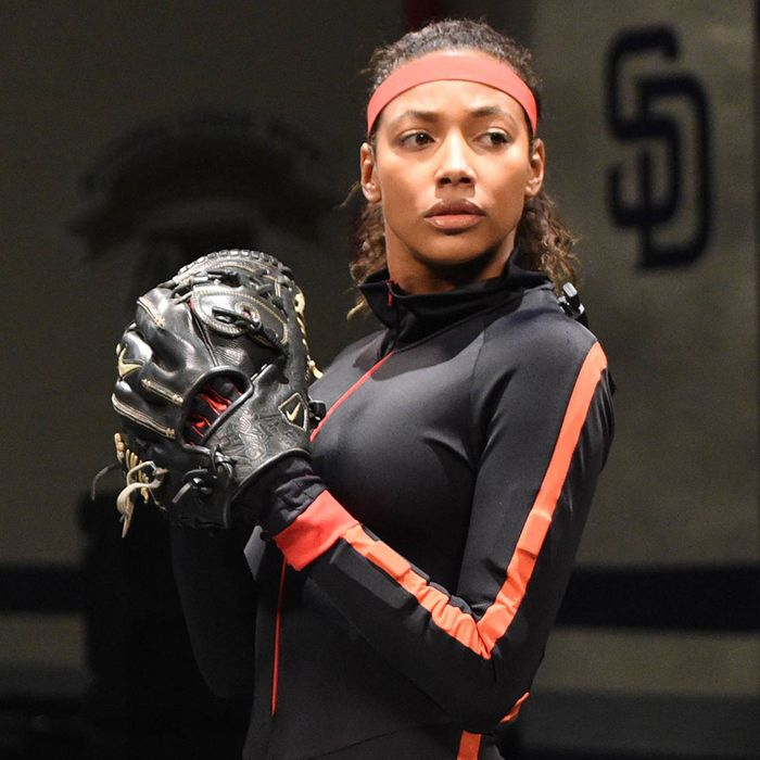 """PITCH: Kylie Bunbury in the all-new """"Don't Say It"""" episode of PITCH airing Thursday, Dec. 8 (9:00-10:00 PM ET/PT) on FOX. Cr: Ray Mickshaw / FOX. © 2016 FOX Broadcasting Co."""