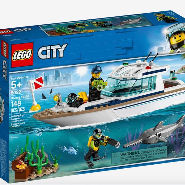LEGO City Diving Yacht, Ages 5+