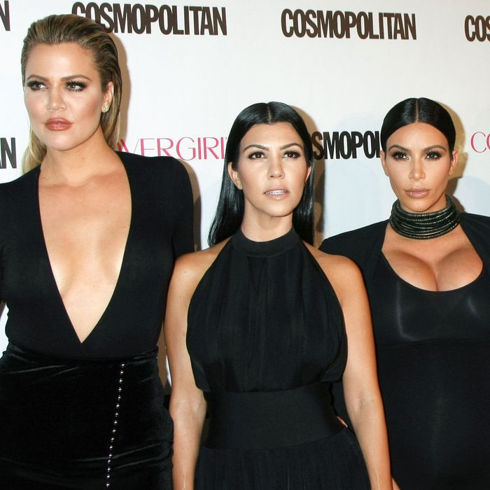 Area siblings Khloé, Kourtney, and Kim.