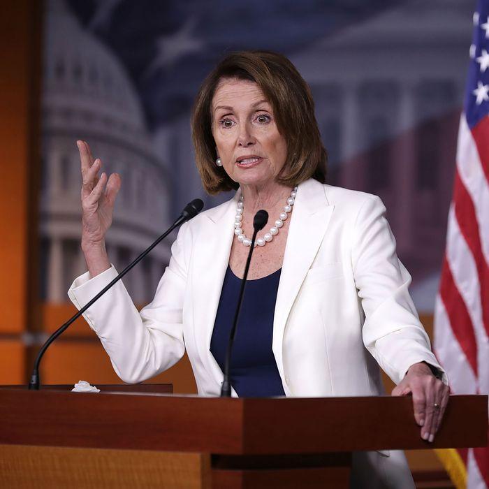 Pelosi: Democrats Shouldn't Focus on Abortion Access