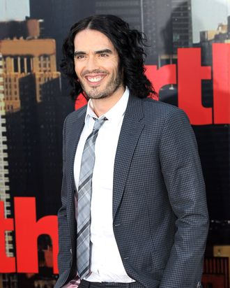 LONDON, ENGLAND - APRIL 19: Russell Brand attends the European Premiere of Arthur at Cineworld 02 on April 19, 2011 in London, England. (Photo by Chris Jackson/Getty Images) *** Local Caption *** Russell Brand;