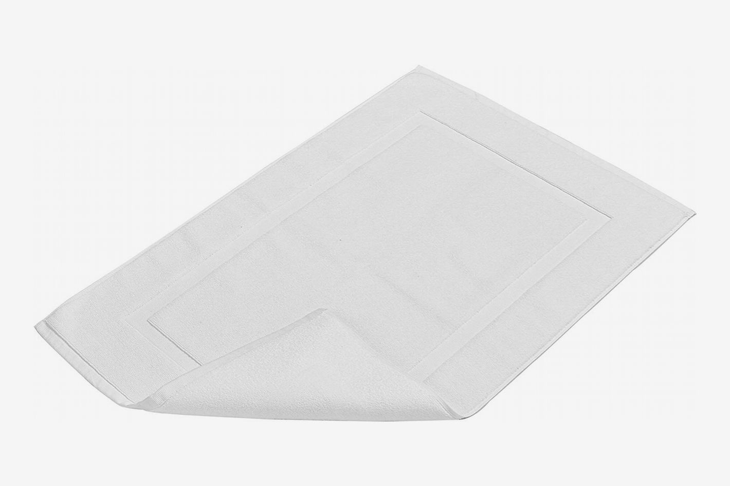 Amazon Basics bath mat