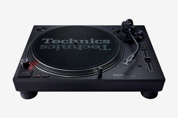 Technics SL-1200MK7 Direct Drive Turntable System
