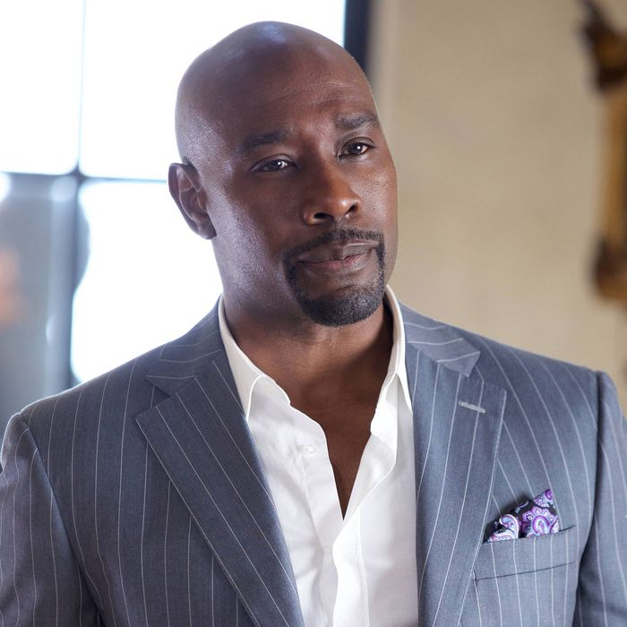 ROSEWOOD: Morris Chestnut as Dr. Beaumont Rosewood, Jr. in the